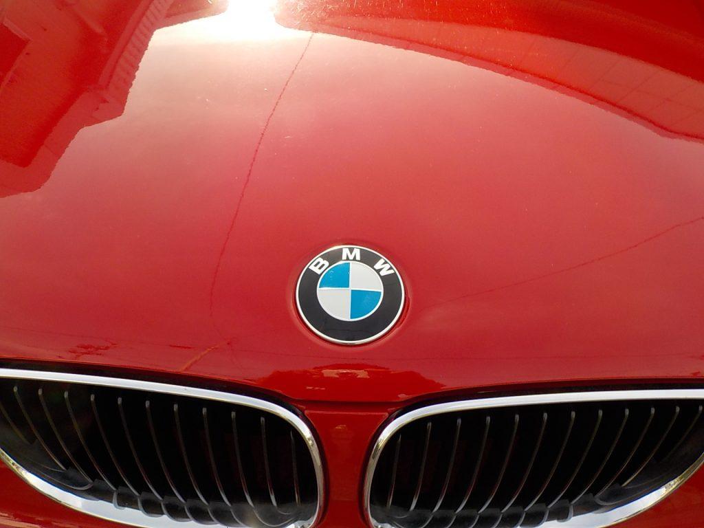 BMW 116 エンブレム交換