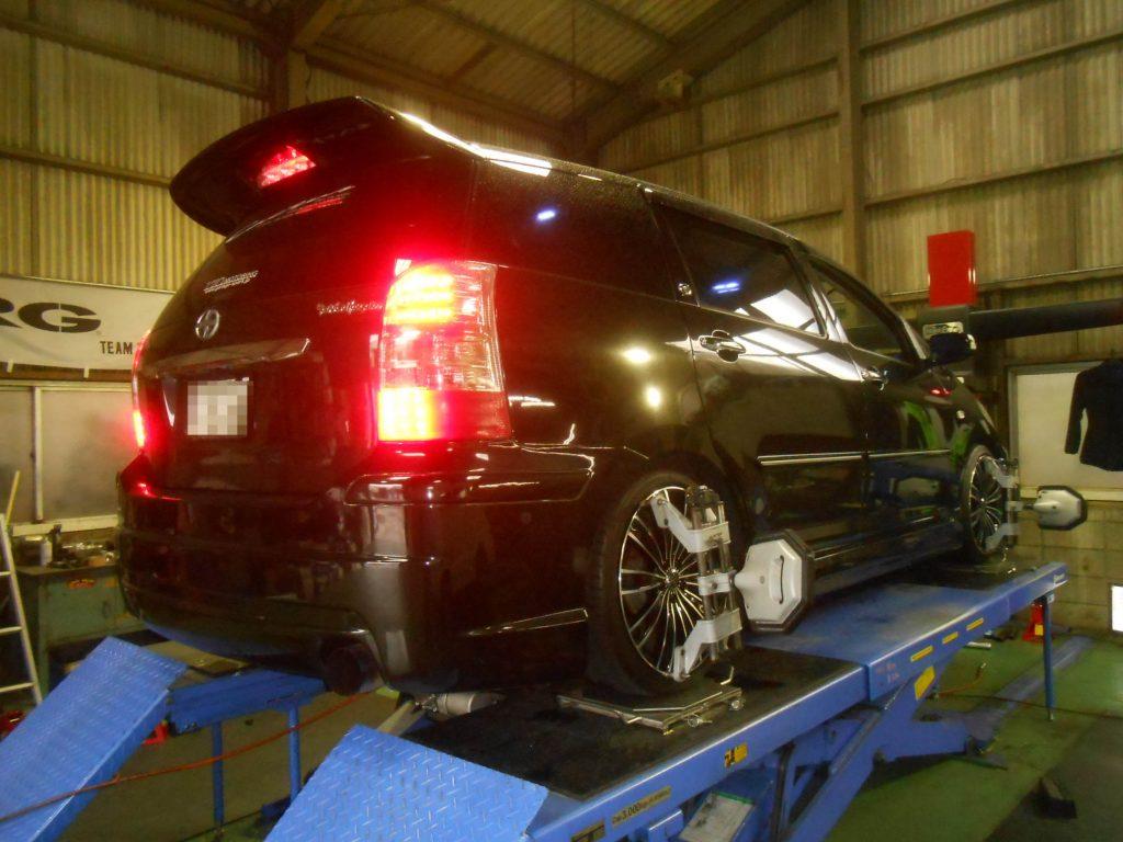 ZNE10G ウィッシュ 車高調交換 四輪アライメント ドライブシャフト交換