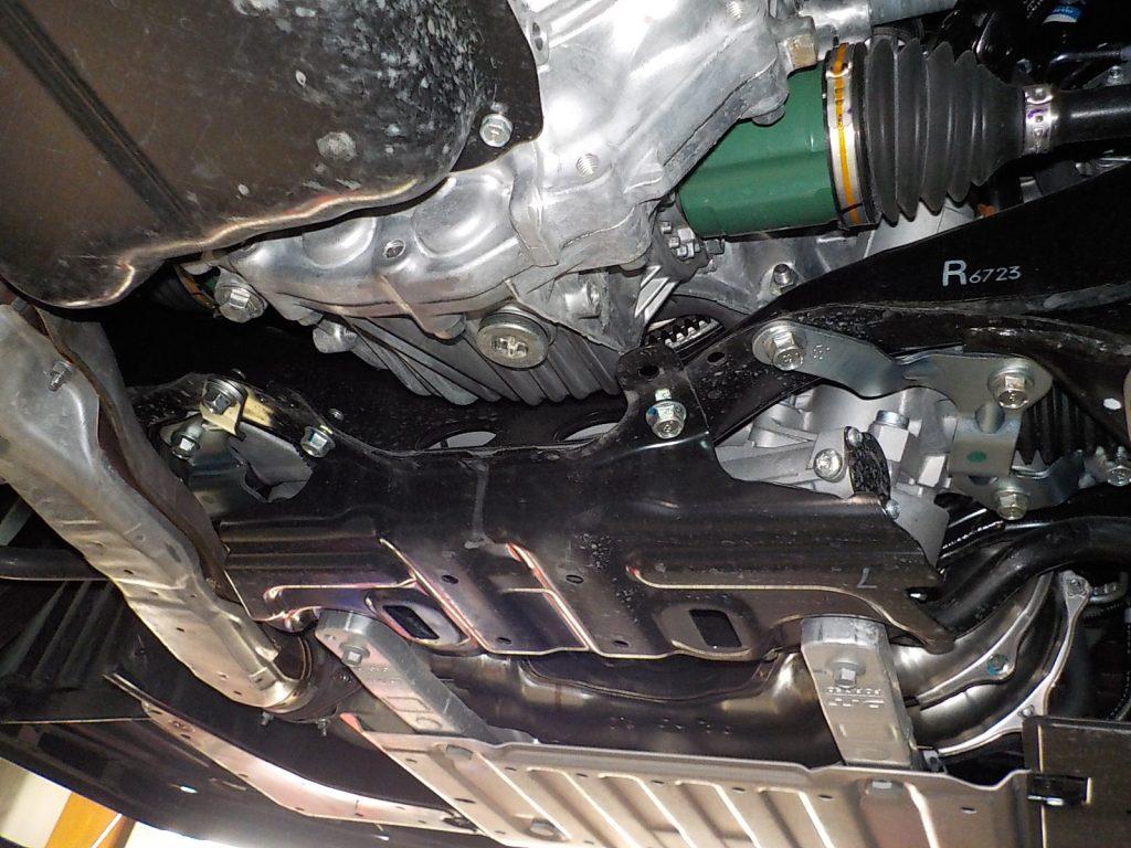 WRX S4 ステアリングギヤボックスクランプスティフナー取付
