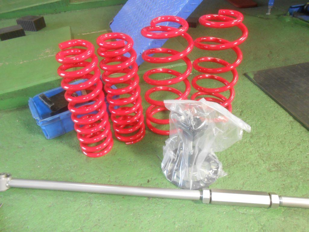 FJクルーザー スプリング交換 ラテラルロッド交換 タイヤ交換 四輪アライメント マフラー交換