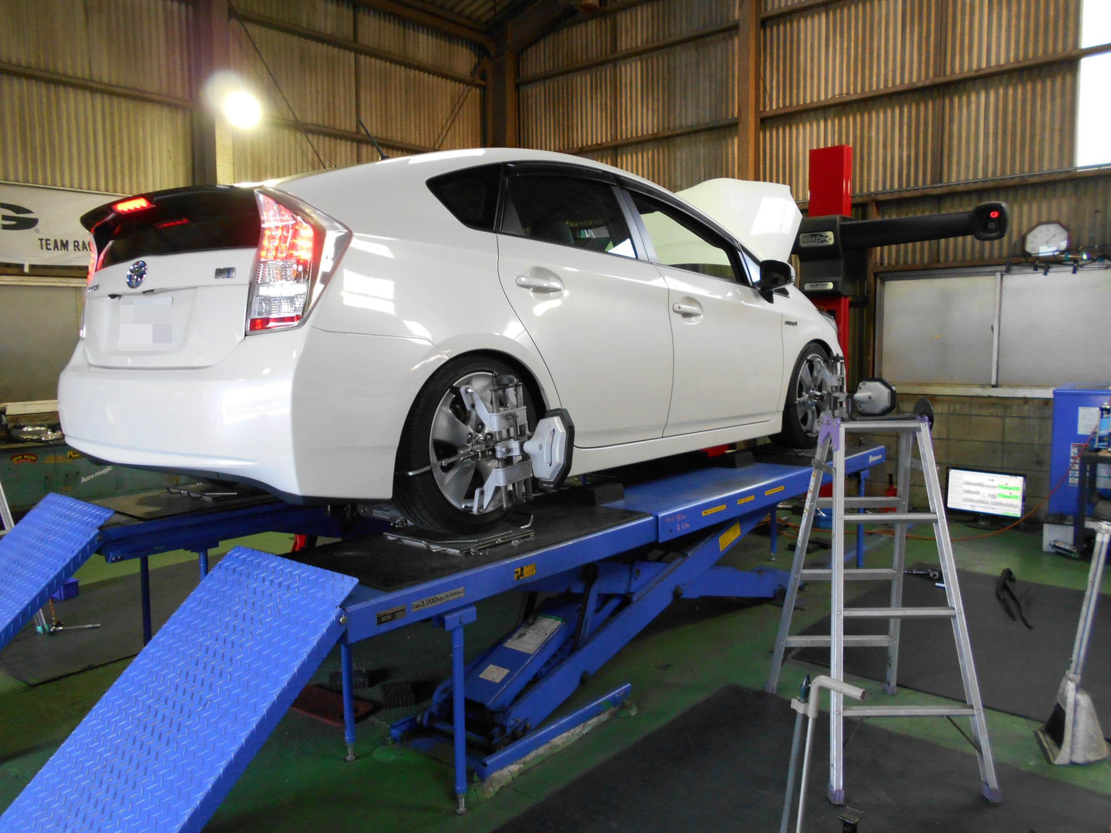 プリウス 車高調持ち込み取付 四輪アライメント
