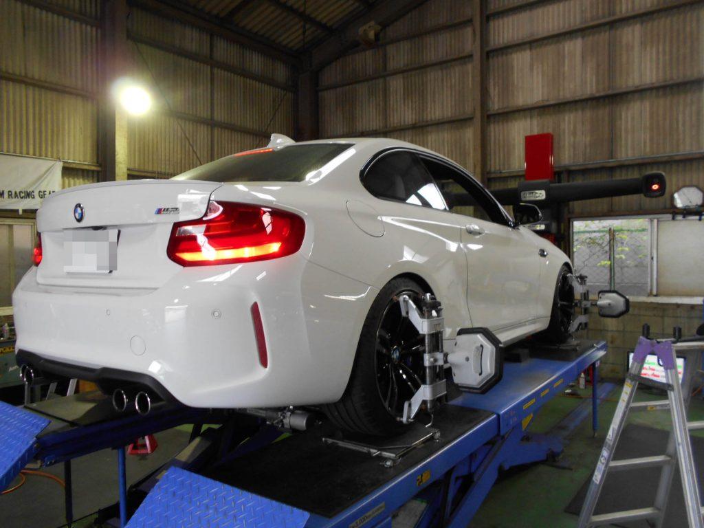BMW M2 F87 四輪アライメント