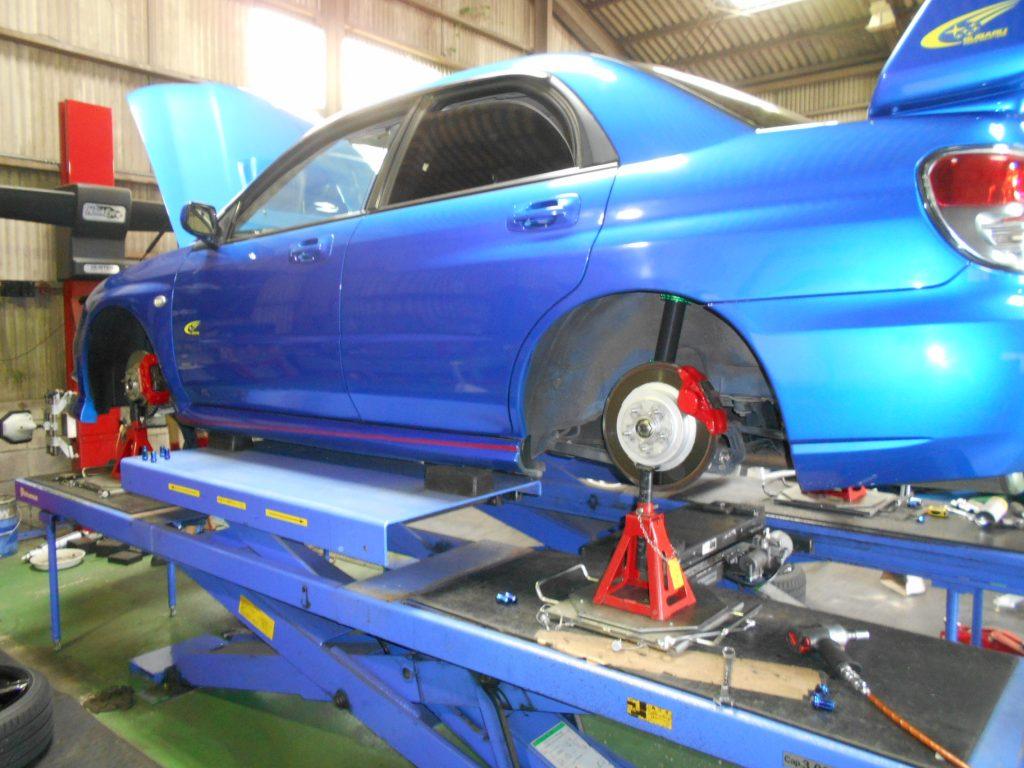 インプレッサ GDB 車高調取り付けと四輪アライメントとシフトリンケージブッシュ交換とシフトロッドブッシュ交換