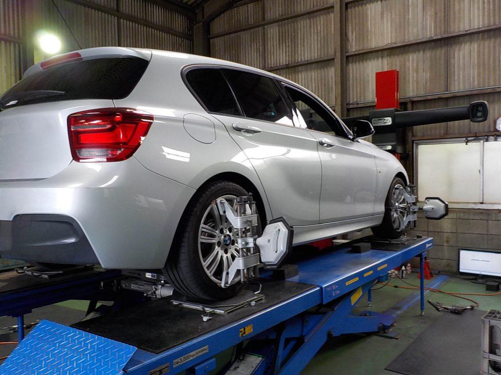 BMW M135iの四輪アライメント