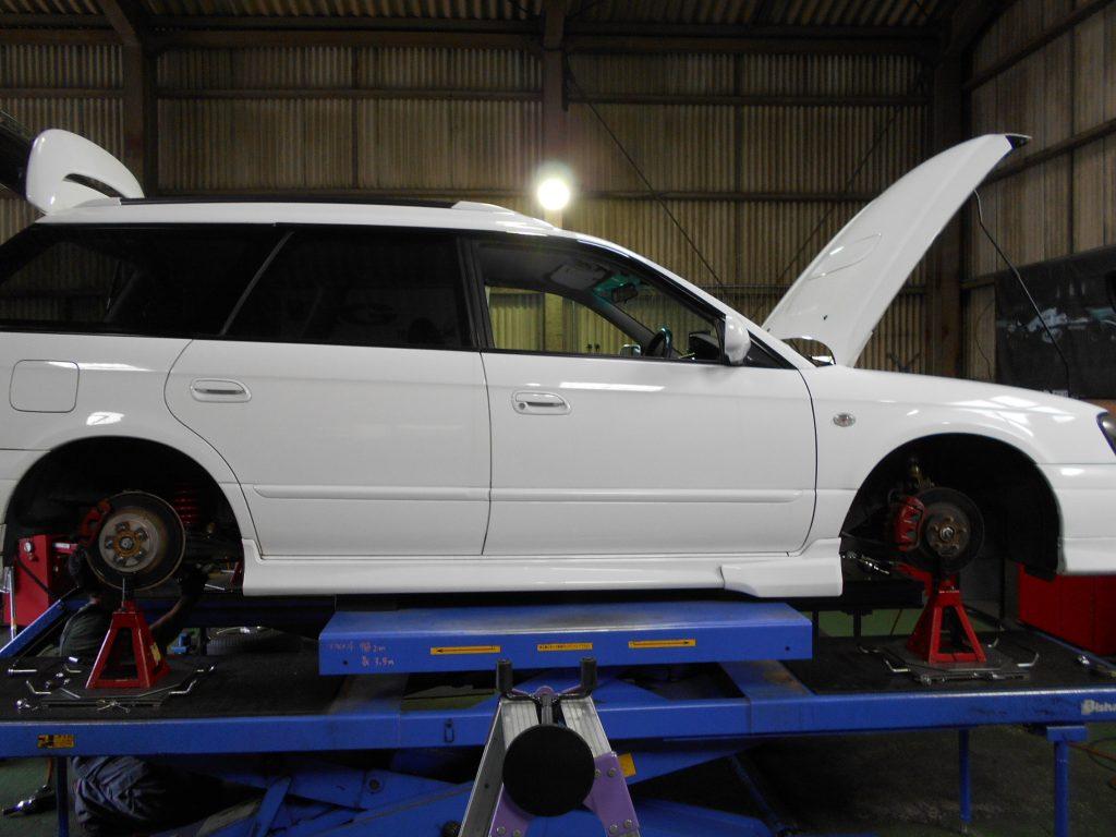 レガシィ BG5の持ち込み車高調の取り付けと四輪アライメント