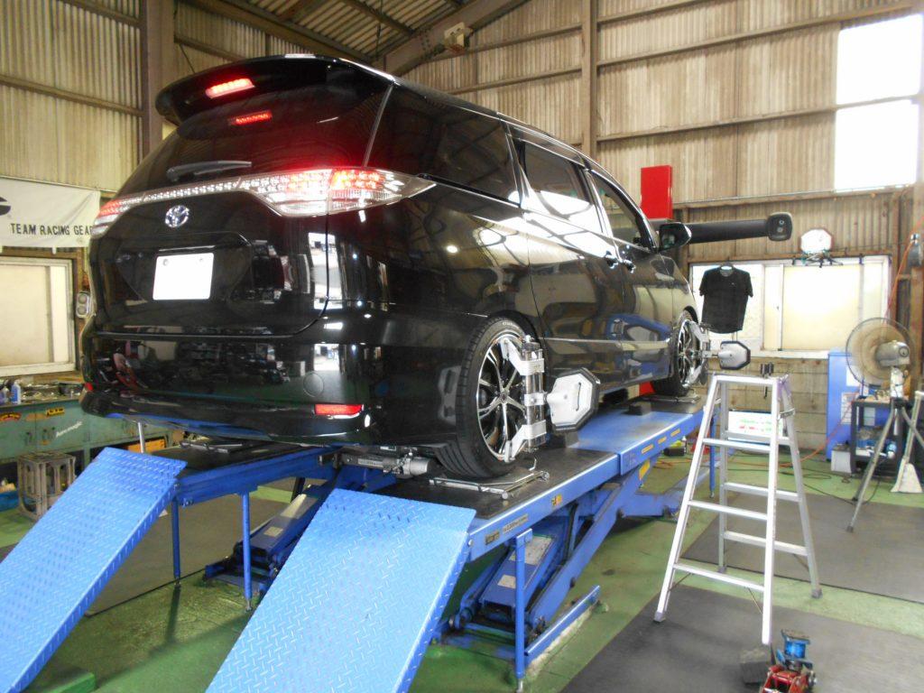 エスティマのリア車高調の取り付けと四輪アライメント