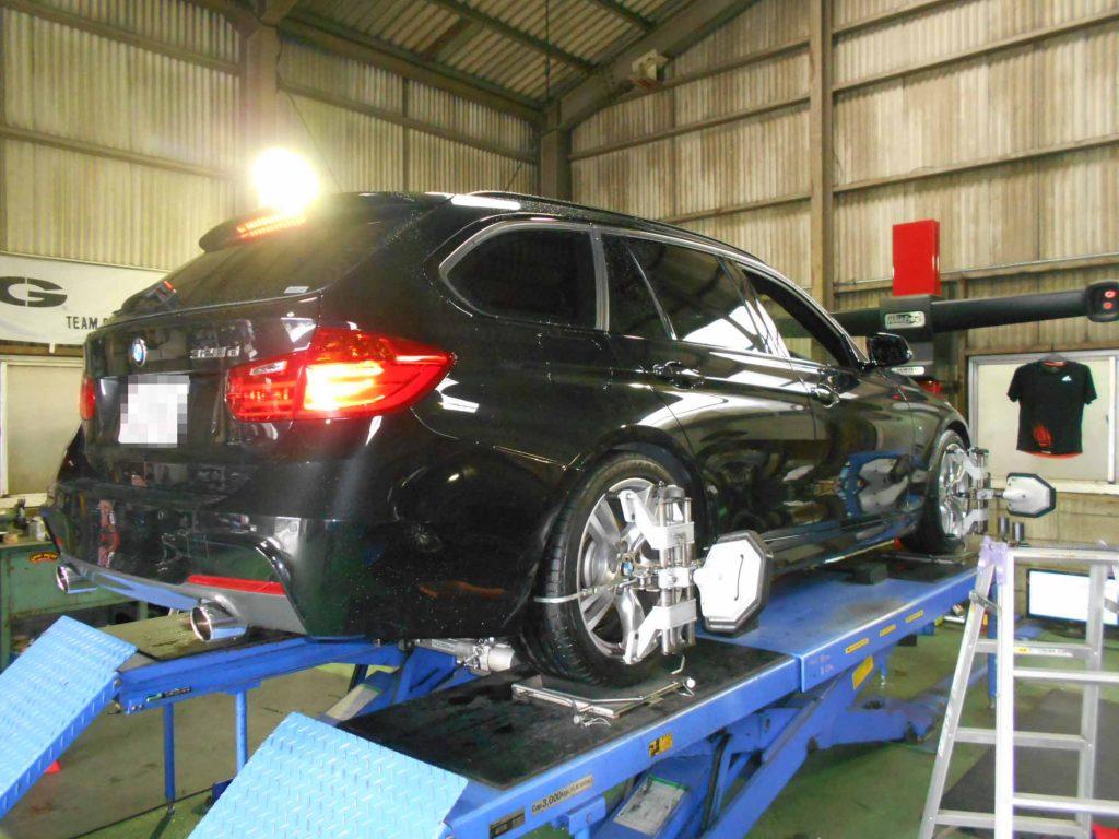 BMW F31のタイヤ交換と四輪アライメント