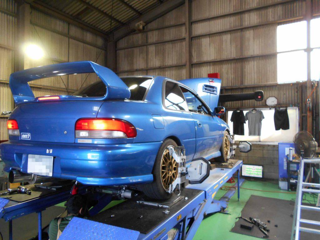 インプレッサ GC8の車高調整と四輪アライメント