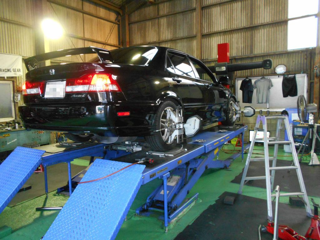 アコード CF4の車高調整と1G締め付け直しと四輪アライメント