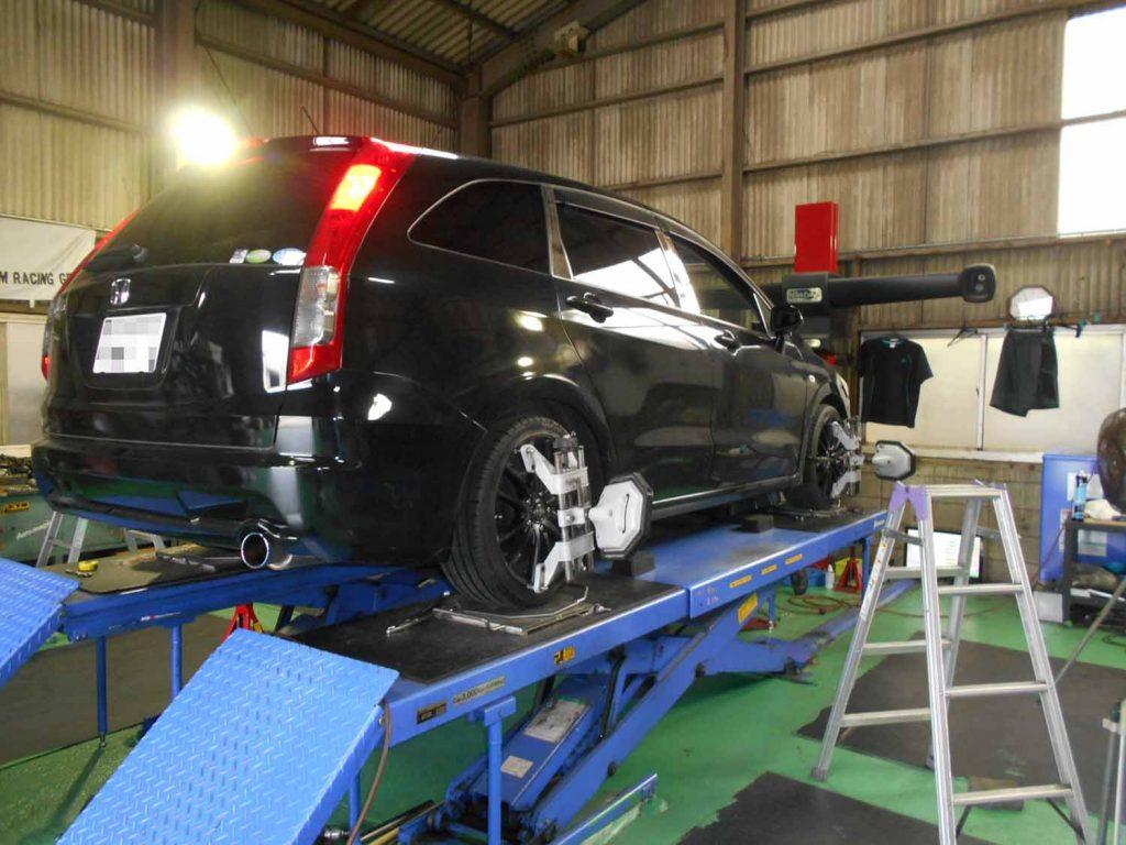 ストリーム RS-R車高調の車高調整と1G締め付け直しと四輪アライメント
