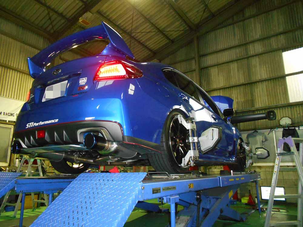 スバル WRX STIの四輪アライメント