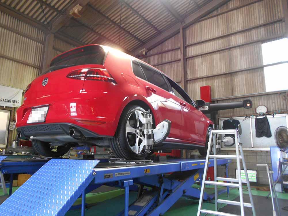 ゴルフ7GTIの持込タイヤ交換と四輪アライメント