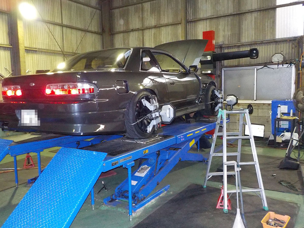 S13 シルビアの四輪アライメント