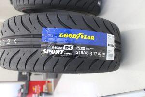 グッドイヤー RS
