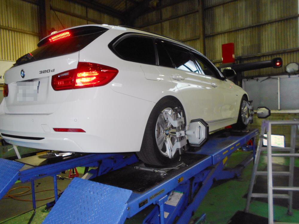 F31 BMWのMスポーツ純正の足回ろの取り付けと四輪アライメント