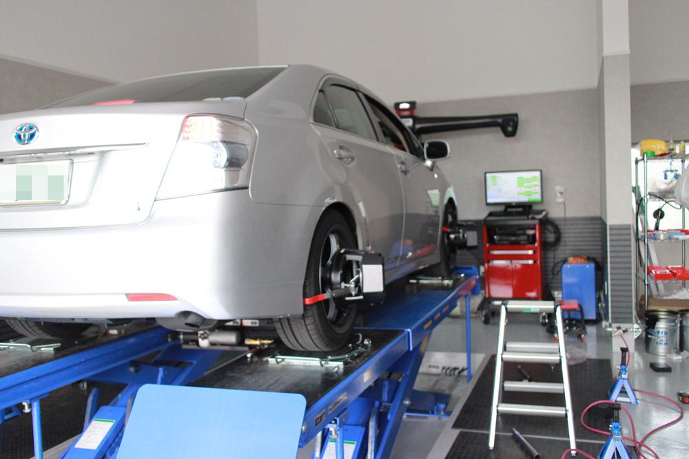 SAIにタナベの車高調の取り付けと四輪アライメント