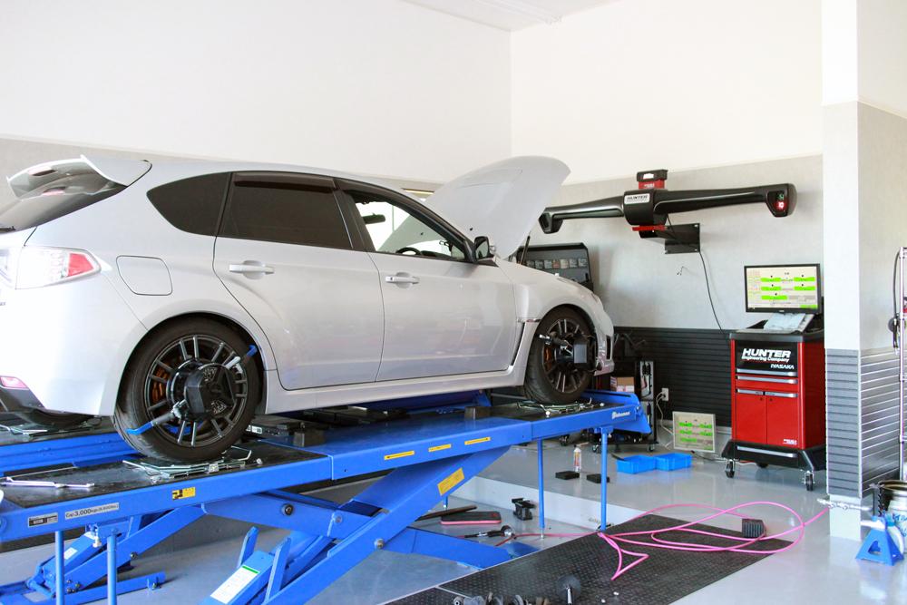 インプレッサ GRB にブリッツ車高調の取付と四輪アライメント