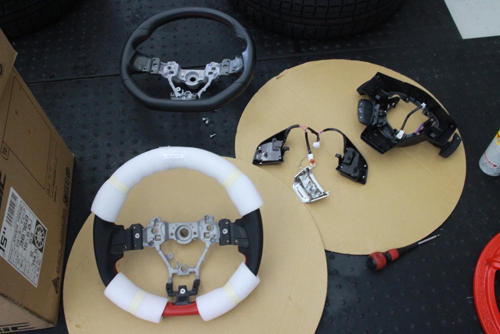 レボーグのハンドル交換