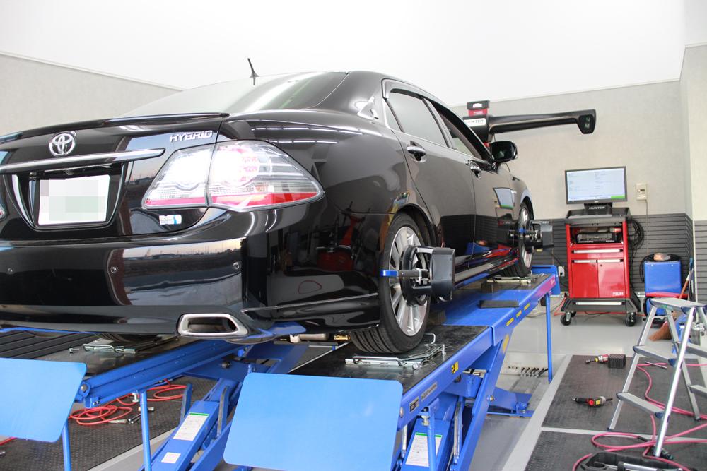 クラウンハイブリッド GWS204にダウンサスの取り付けとタイヤ交換、四輪アライメント
