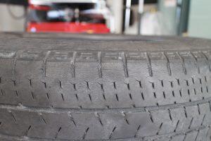 タイヤ亀裂