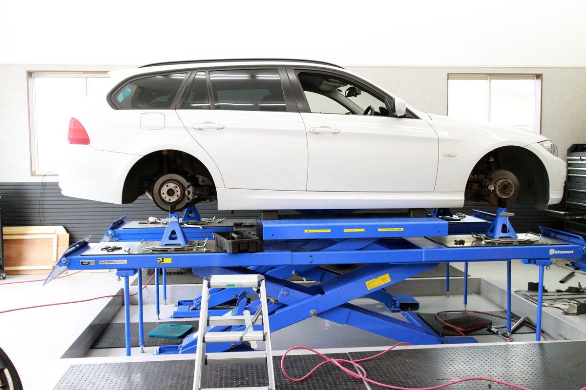 BMW E91の1G締め付け直しと四輪アライメント