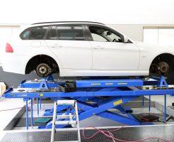 BMW E91の四輪アライメント