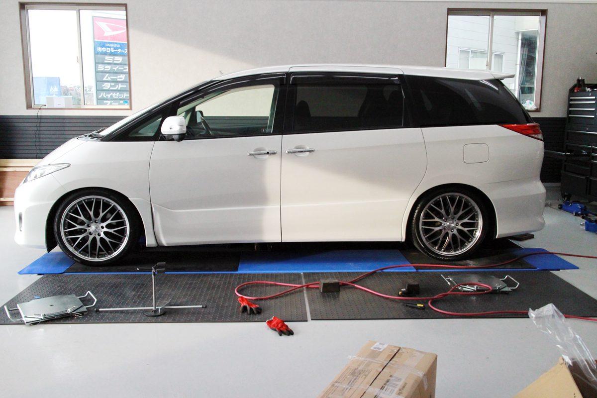 エスティマ ACR50WにTEINの車高調の取付