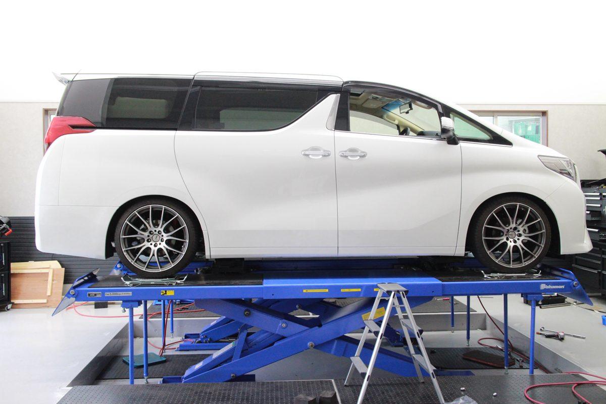 アルファード AGH30Wにタナベ車高調の取付と四輪アライメント