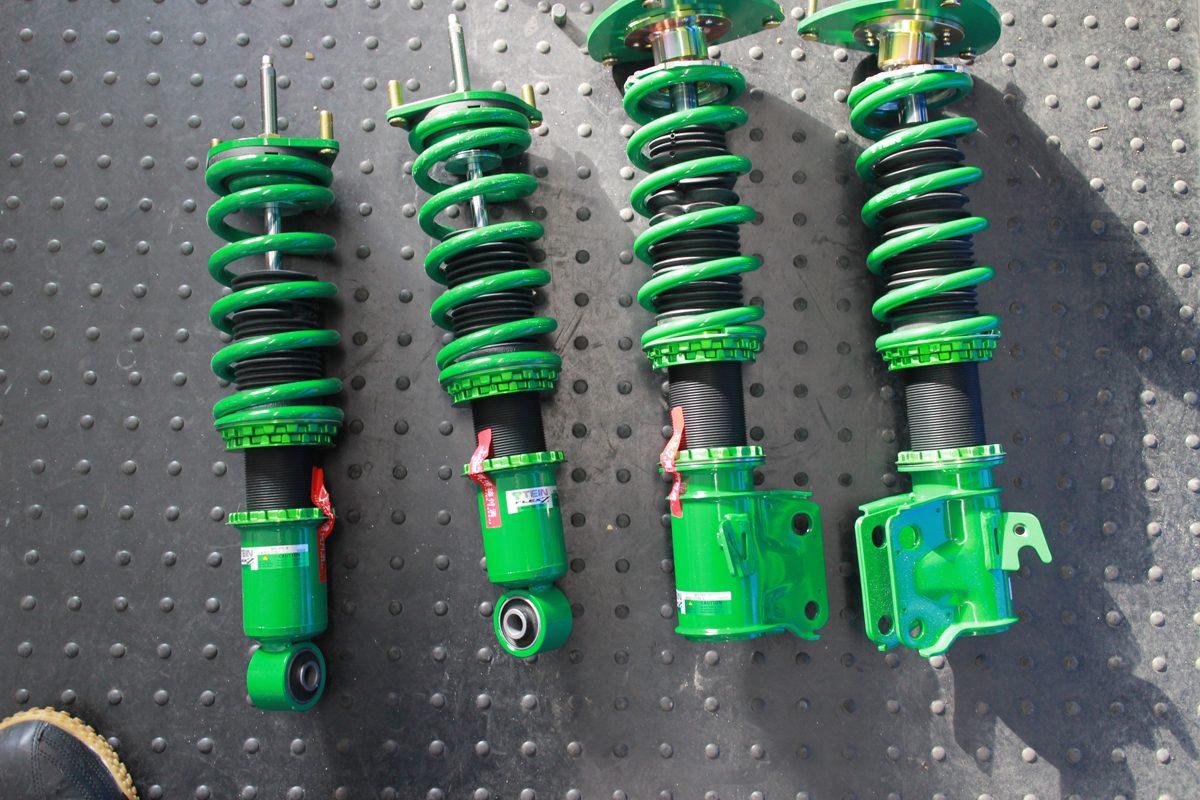 レガシー BL5にTEINの車高調の取付とタイヤ組み付け後四輪アライメント