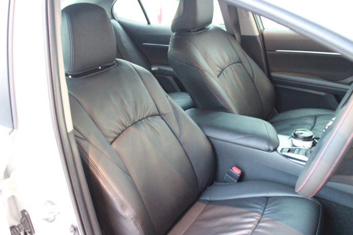 前のシートのシートカバー