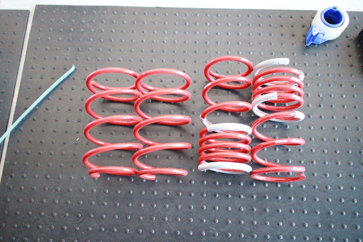 アイシスにタナベNF210のスプリング交換と四輪アライメント