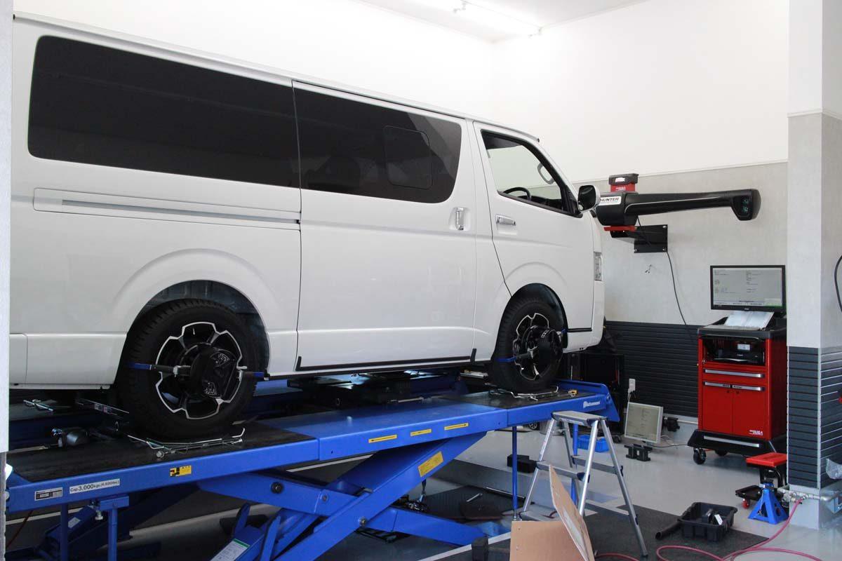 ハイエース 4WDのトーションバー調整と四輪アライメント