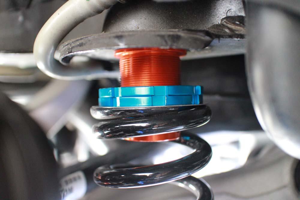 アウディ A5の車高調の車高調整と四輪アライメント