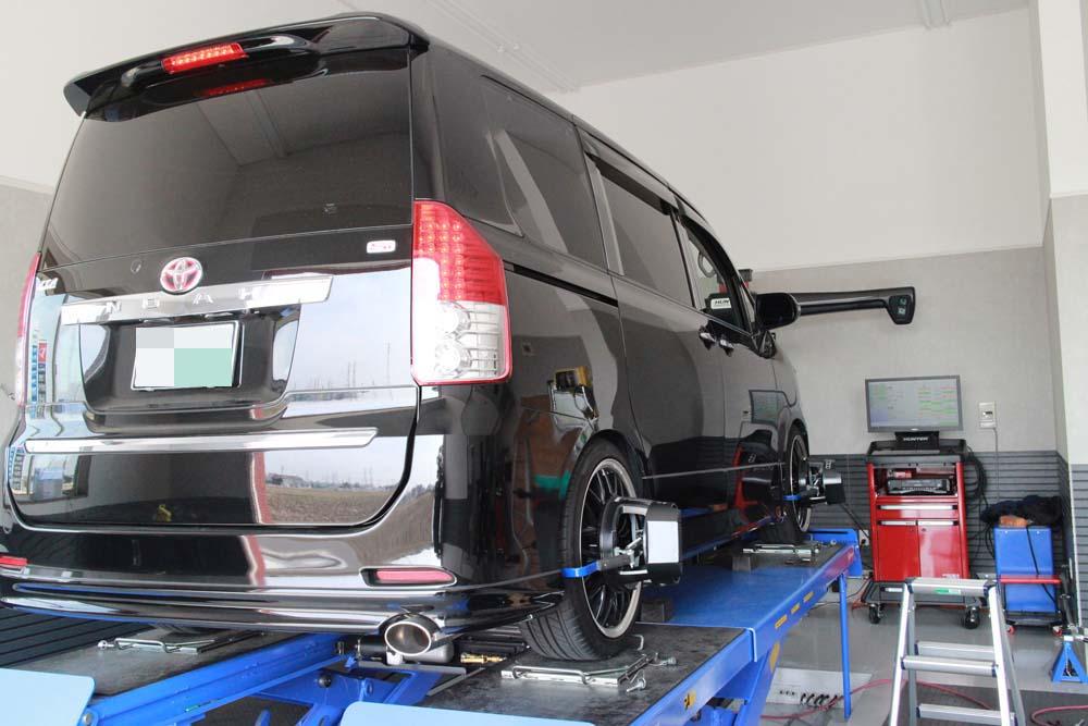 ノアのTEIN車高調の車高調製と四輪アライメント