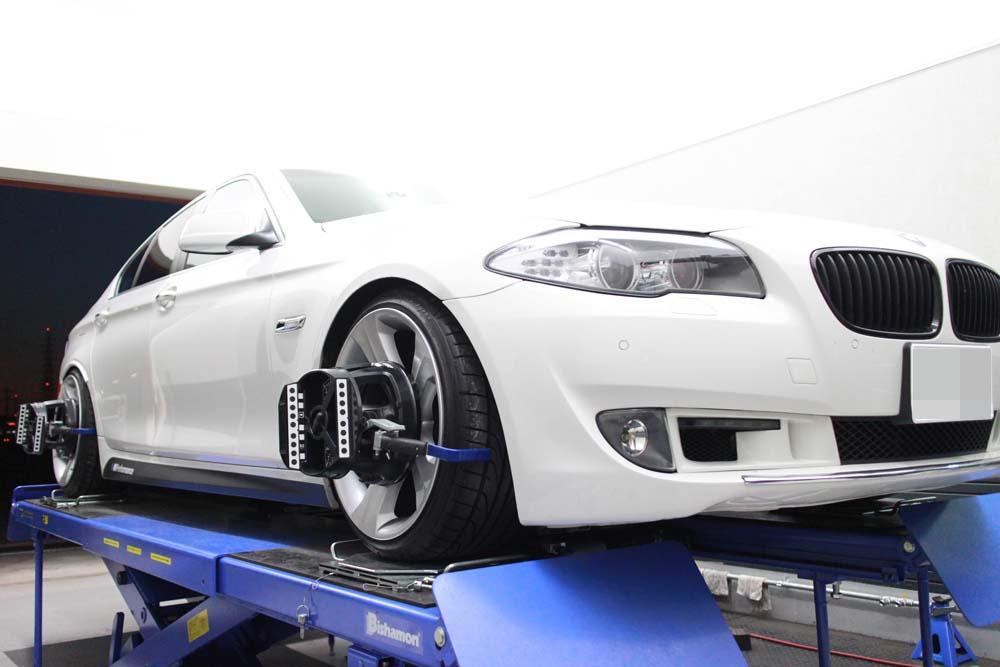 BMW F10 535iの四輪アライメント