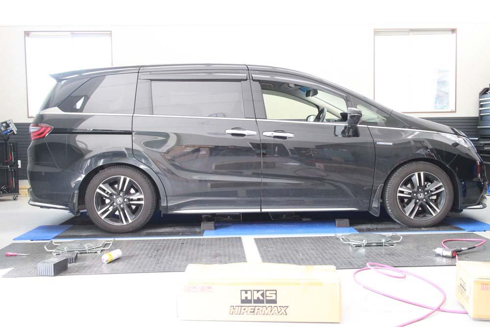 オデッセイ RC4にHKSの車高調の取付と四輪アライメント