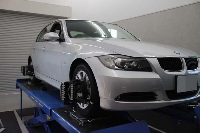 BMW E90の四輪アライメント