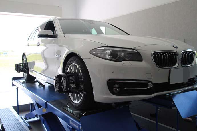 BMW F11の四輪アライメント