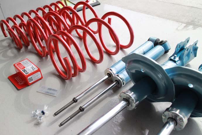 デリカ D:5のサスペンション交換と四輪アライメント