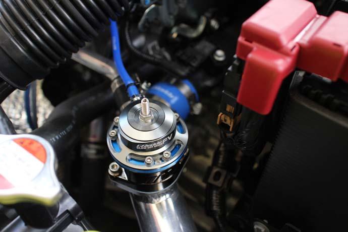スイフト ZC33Sにトラストのブローオフバルブの取付