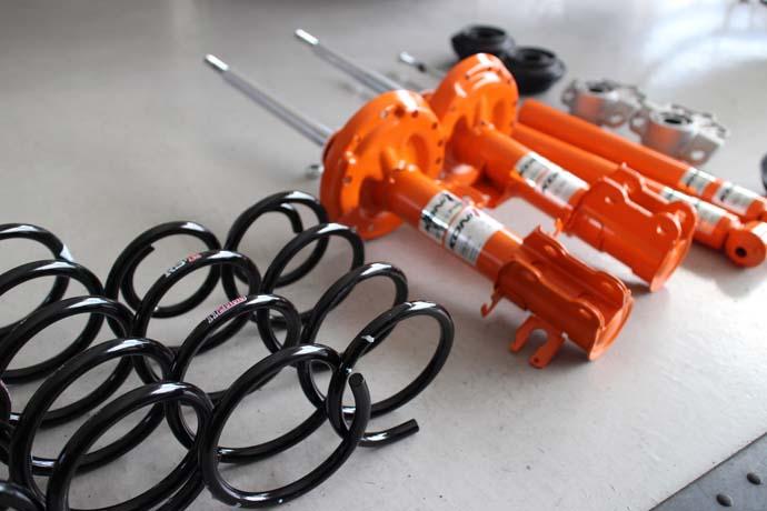 アルファロメオ MITOのサスペンション交換と四輪アライメント