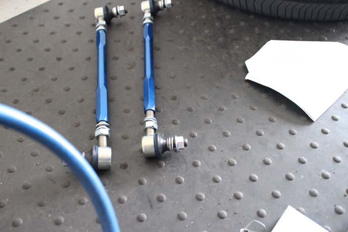 ステップワゴン RK5に調整式スタビリンクの取付