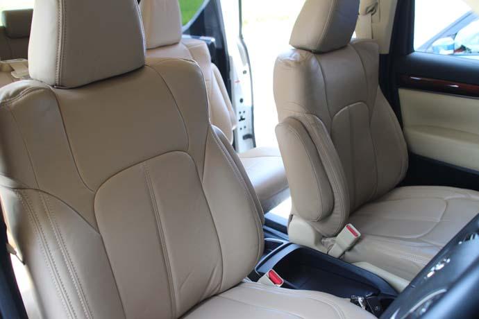 アルファード AGH30Wにシートカバーの取り付けとハンドル交換