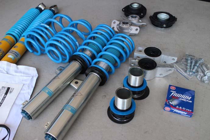 ゴルフ5に車高調の取り付けと四輪アライメント、タイヤ交換にプラグ交換