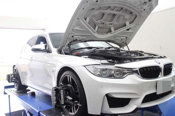 BMW M3 F80 1G締め 四輪アライメント