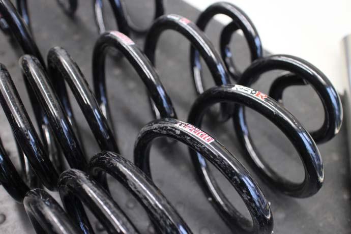 エスティマ ACR50W ダウンサス取り付けと四輪アライメント