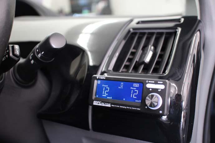 プリウスα TEIN車高調 EDFCの取り付け 四輪アライメント調整
