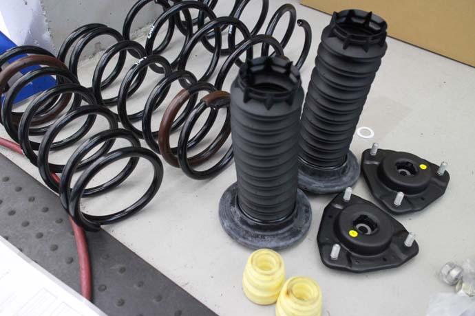 RX200t トムス ダウンサスの取り付けと四輪アライメント調整