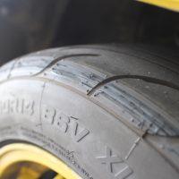 タイヤがキレてる