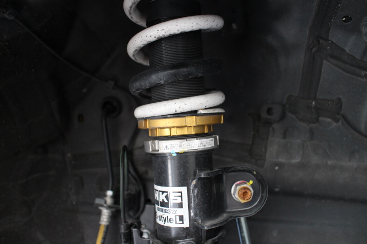 ヴェルファイア AH30W 車高調の車高調整と四輪アライメント調整